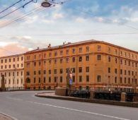 В Петербурге за реставрацию Интендантских складов заплатят 437 млн