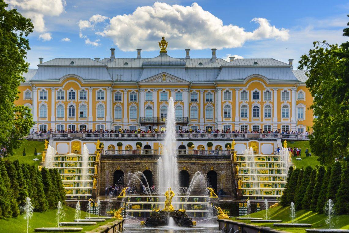 «Петергоф» ищет лицензиатов для реставрации «Большого дворца»